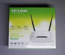 Router TL-WR841N Box.jpg