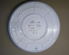 Router UniFi AC Pro Rear.jpg