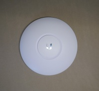 Router UniFi AC Lite Front.jpg