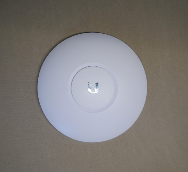 Datei:Router UniFi AC Lite Front.jpg